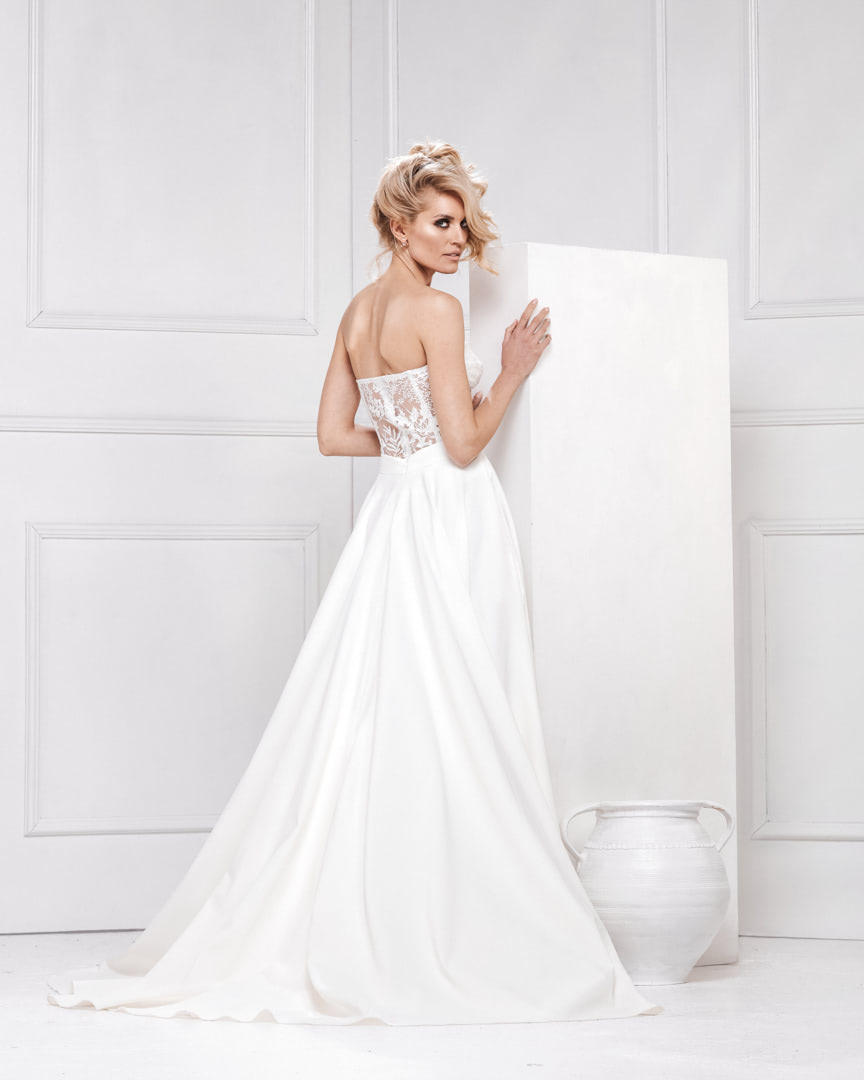 look_017_the_one_bojana_ugresic_bridal_collection_touch_of_heaven_0002